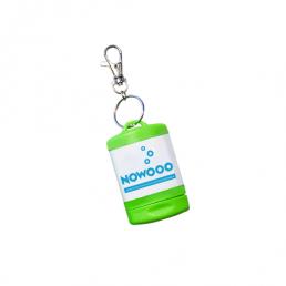 Cendrier de poche porte-clés fabriqué, en France, à base de matière recyclée et recyclable. Hermétique et étanche, il s'accroche par le mousqueton.