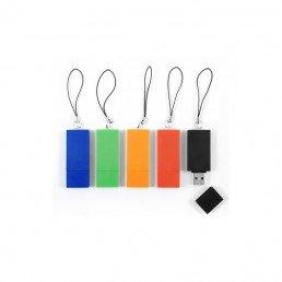 Cette clé USB en plastique recyclé est publicitaire et écologique ; son capuchon et son attache sont fabriqués en plastique recyclé.