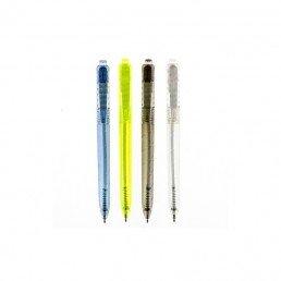 Ce stylo publicitaire, personnalisable, est fabriqué en PET, issu du recyclage des bouteilles en plastique. Il est fourni avec une PLV explicative.